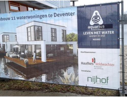 Eerste paal nieuwbouw 11 waterwoningen Aquarius in Deventer